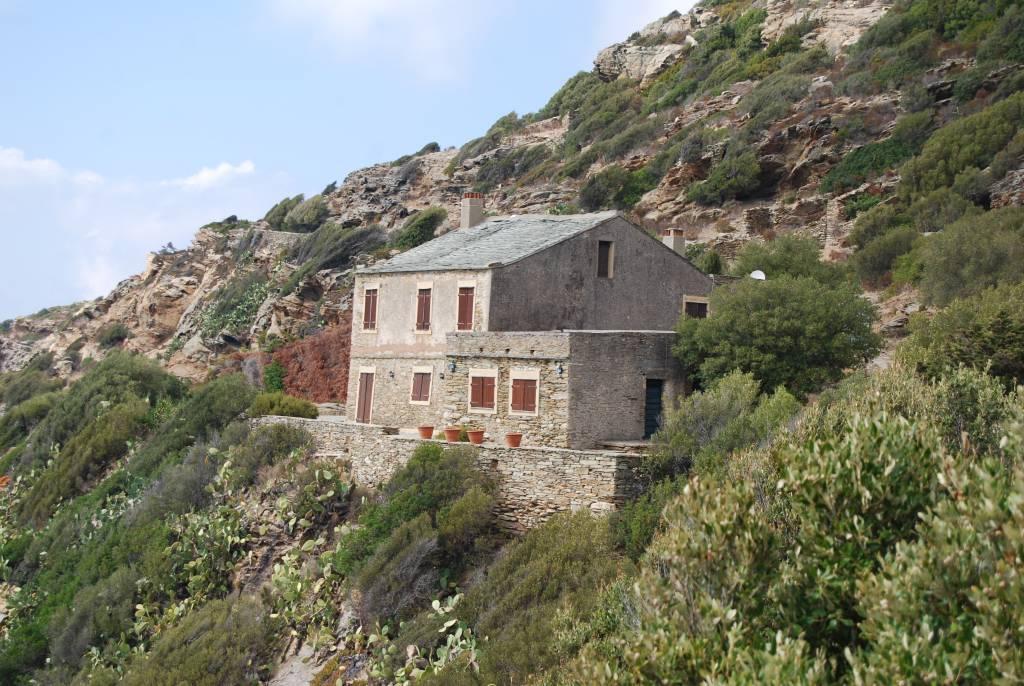 maison de village individuelle dans cap corse centuri